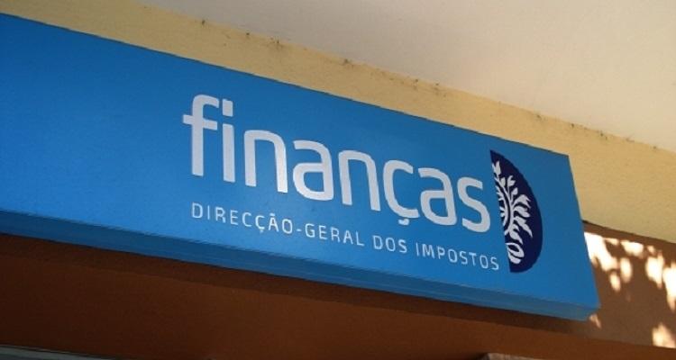 """FISCO """"ATACA"""" PARÓQUIAS, PADRES E POBRES"""