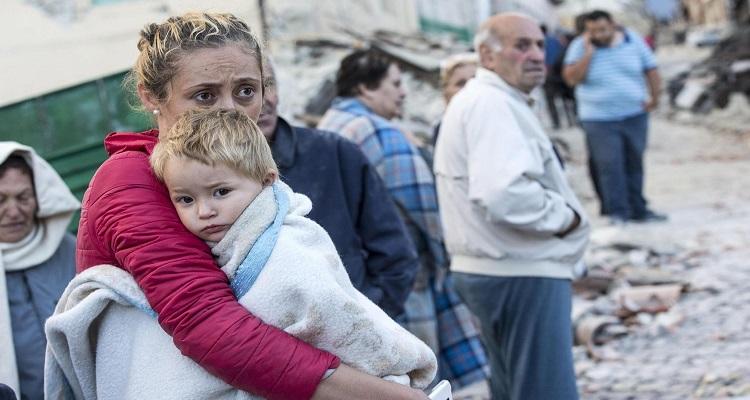 ITÁLIA: SISMO DESALOJA 30 MIL PESSOAS