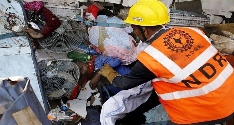 india-descarrilamento-ja-conta-140-mortos