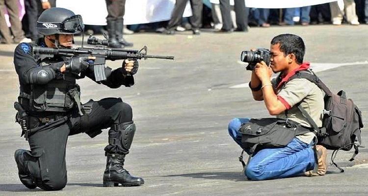 Resultado de imagem para imagens de jornalistas
