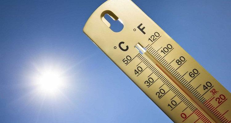 Nove distritos sob aviso devido ao tempo quente