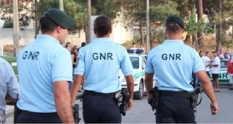 GNR faz patrulhas a pé para poupar