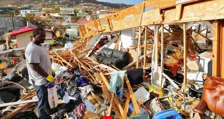 Sobe para 15 o número de mortos em passagem do furacão Maria
