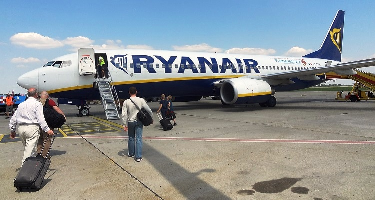 Vai deixar de ser permitido levar duas malas na cabine — Ryanair