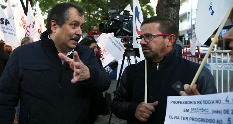 Governo português diz que acordo com professores é financeiramente sustentável
