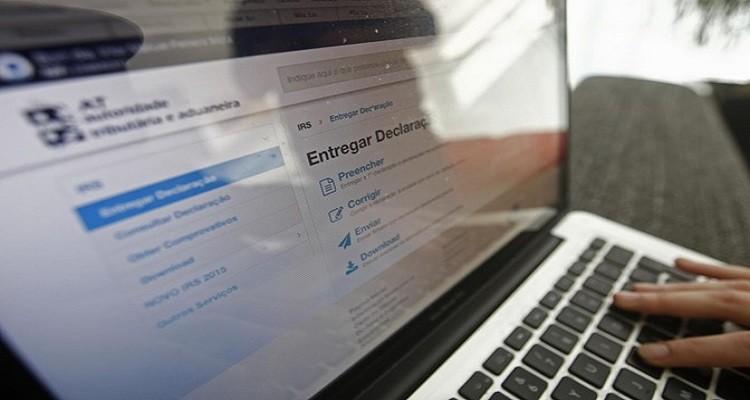 Site e-fatura em baixo. Finanças dão 24 horas para validar faturas