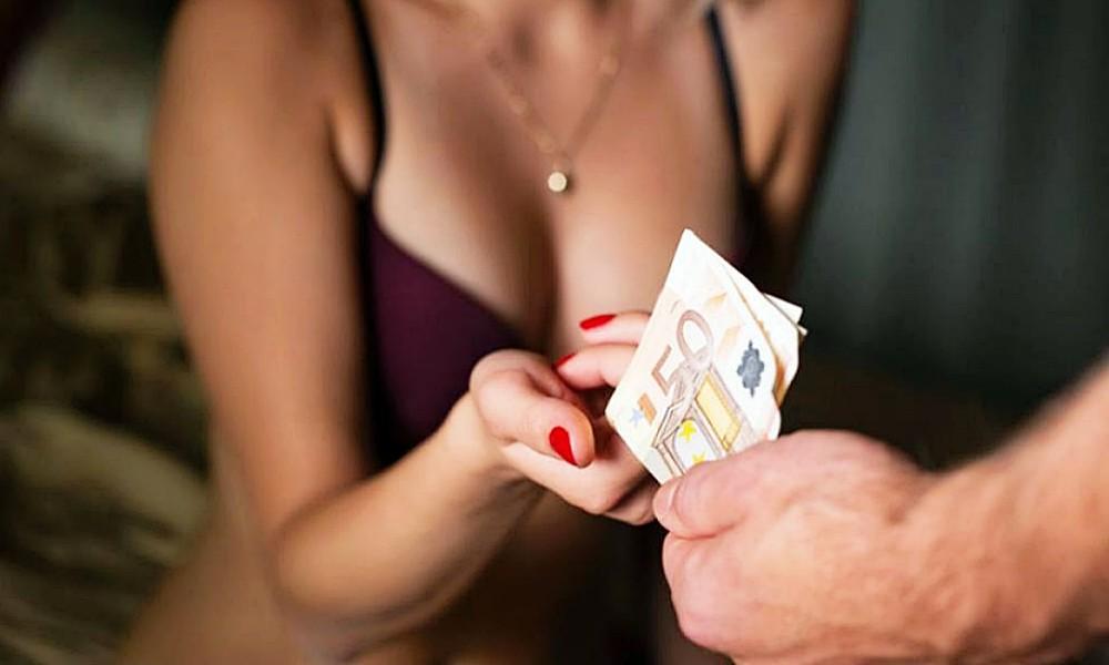 Встали раком секс за деньги смоленская область девками